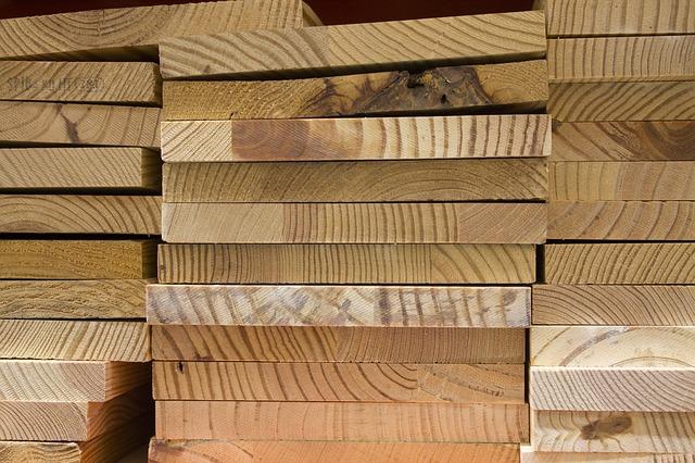Où acheter une lame de terrasse en bois de grande largeur ?