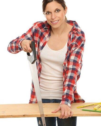 Comment couper une lame de terrasse en bois ?